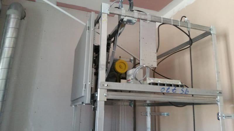ascenseurs sauli re ascenseur monte charge monte escalier. Black Bedroom Furniture Sets. Home Design Ideas